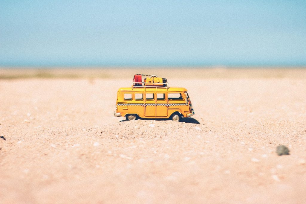 beach-blur-camper-386000 2